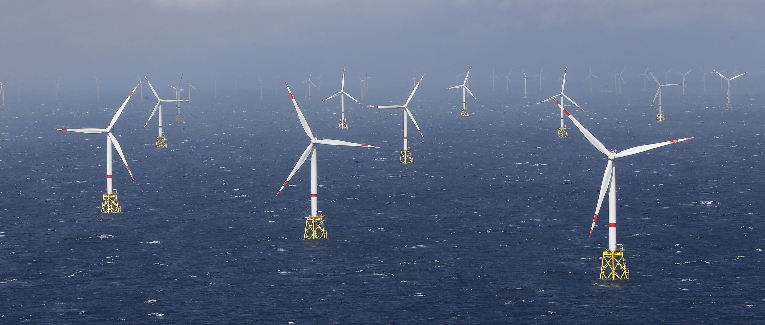 RWE gaat zich toeleggen op het opwekken van energie, Eon op distributienetwerken en diensten aan consumenten.