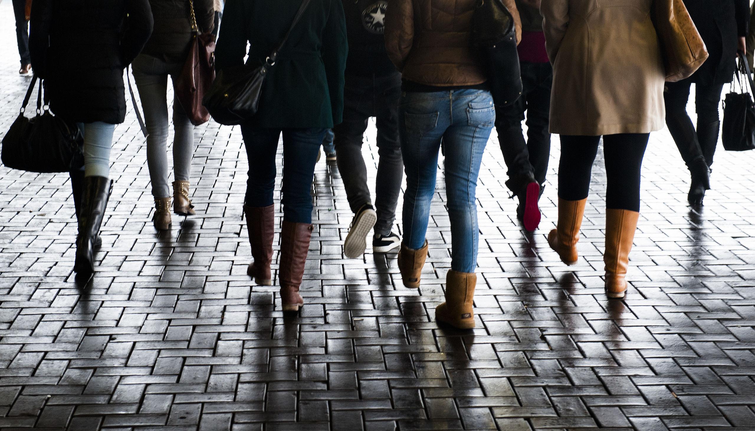 Jongeren op weg naar De Nationale Carrièrebeurs.