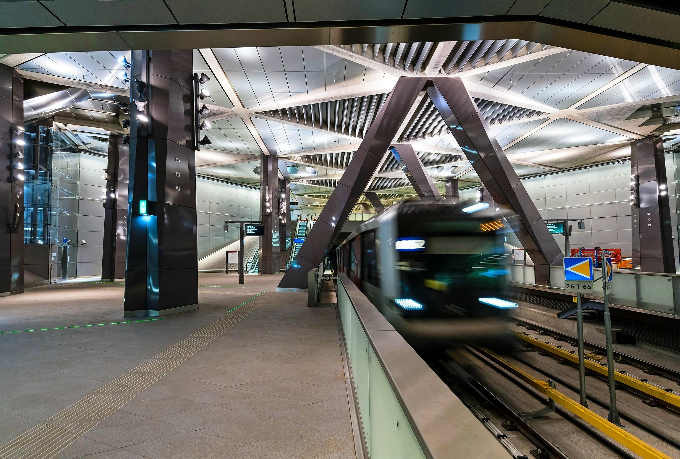 Halte Centraal Station van lijn 52, oftewel de Noord-Zuidlijn.